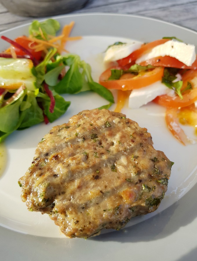 These tasty minted lamb burgers are easy to make and are a perfect recipe for a fast mid-week meal, or delicious cooked on a BBQ.